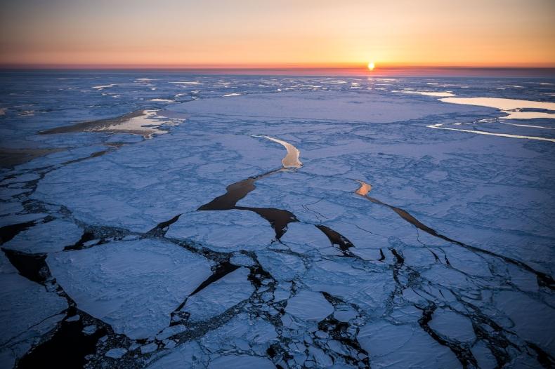 Lodu na Morzu Beringa najmniej od ponad pięciu tys. lat - GospodarkaMorska.pl