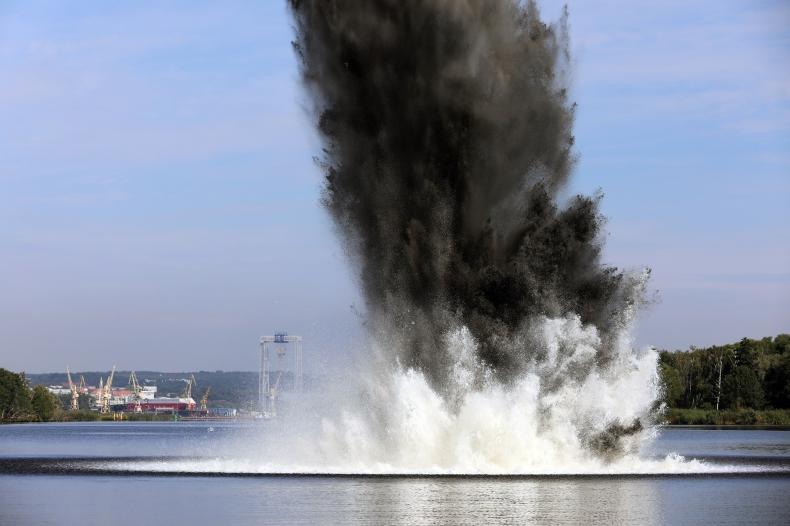 Wkrótce neutralizacja 5,4-tonowej bomby z toru wodnego Świnoujście-Szczecin - GospodarkaMorska.pl
