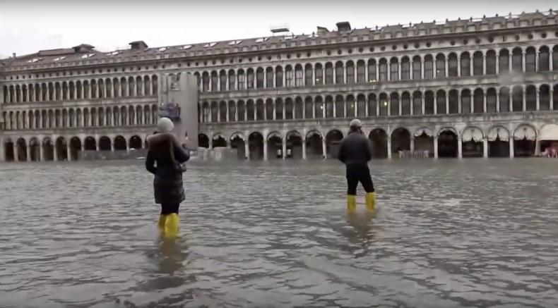 Pierwsze użycie systemu zapór, by uchronić Wenecję przed wodą - GospodarkaMorska.pl