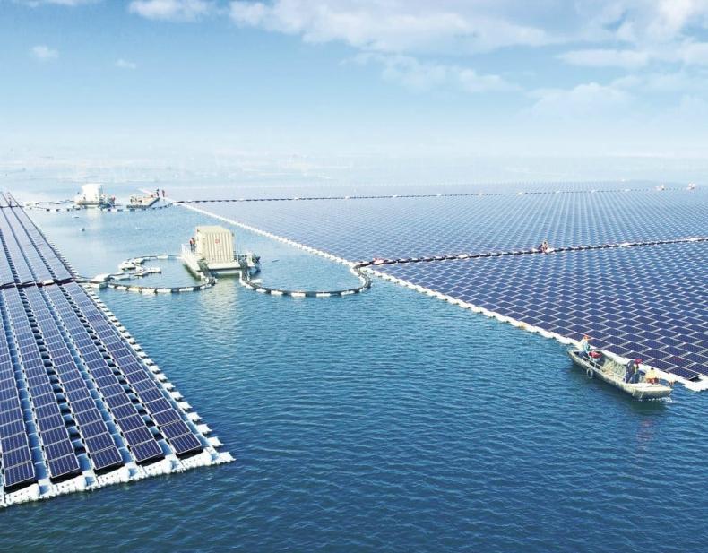 JA Solar dostarcza moduły dla pierwszych pływających elektrowni fotowoltaicznych w Hiszpanii i Malezji - GospodarkaMorska.pl