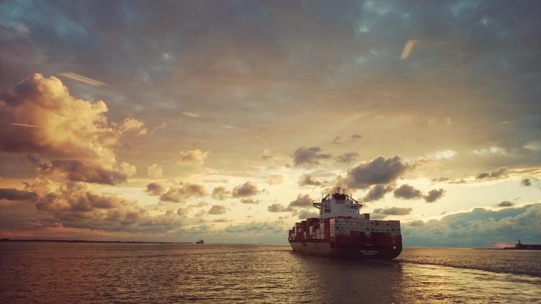 Redukcja emisji w transporcie morskim: unijny radykalizm czy troska o środowisko? - GospodarkaMorska.pl