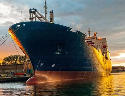 Cargill montuje żagle na swoich statkach w celu zmniejszenia emisji CO2 - GospodarkaMorska.pl