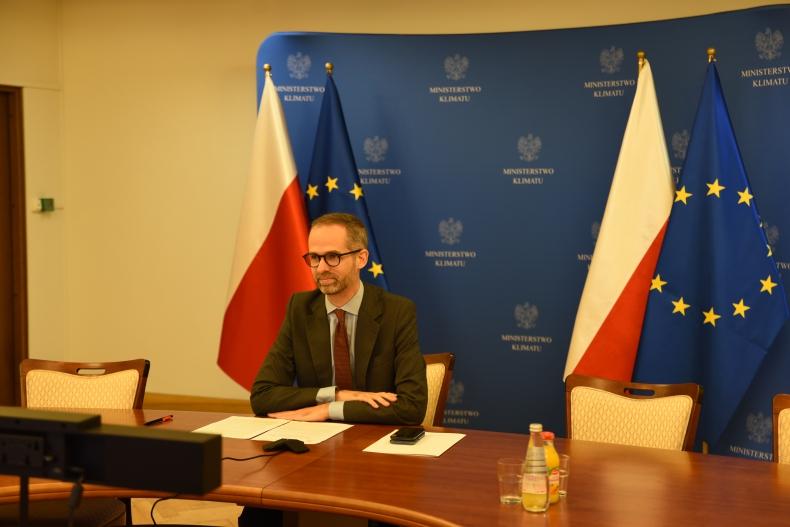 Zeroemisyjne strategie pomogą w walce ze spowolnieniem gospodarczym - GospodarkaMorska.pl