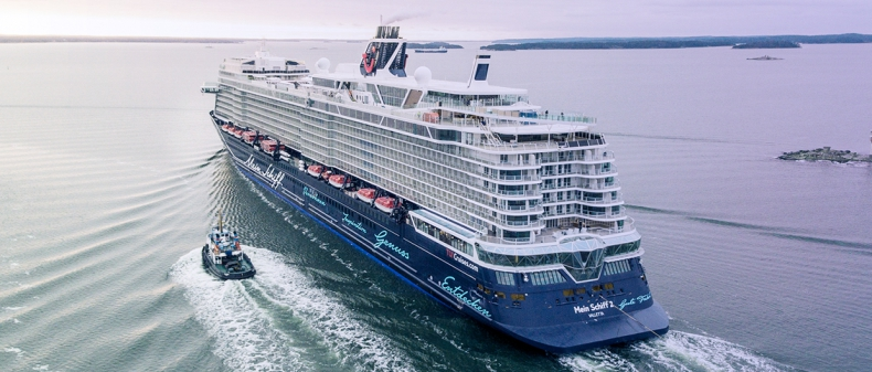 Pierwszy od marca wycieczkowiec wpłynął na Wyspy Kanaryjskie - GospodarkaMorska.pl