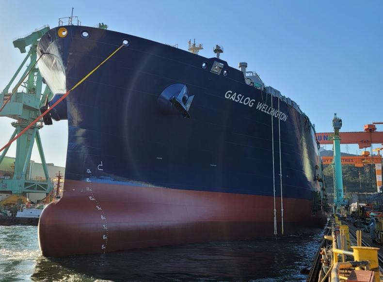 Zwodowano nowy tankowiec LNG dla GasLogu - GospodarkaMorska.pl