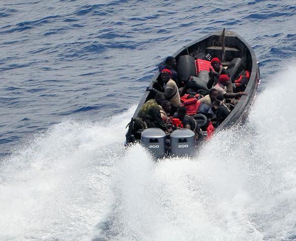 Piraci zaatakowali dwa tankowce u wybrzeży Zachodniej Afryki - GospodarkaMorska.pl
