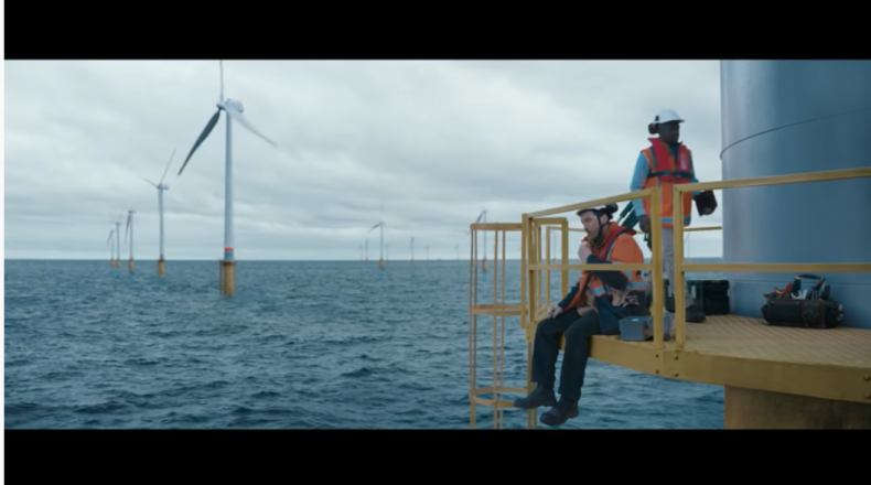 Pracownik offshore bohaterem świątecznej reklamy Coca-Coli (wideo) - GospodarkaMorska.pl