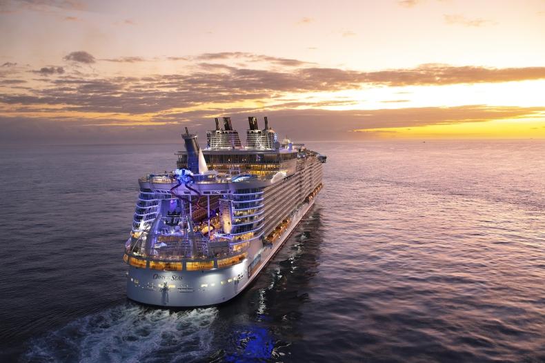 Royal Caribbean szuka chętnych na darmowe rejsy (wideo) - GospodarkaMorska.pl