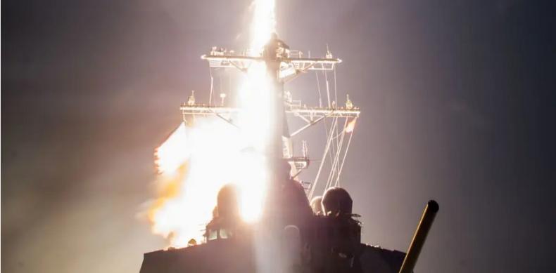 Pierwsza udana próba zestrzelenia rakiety balistycznej pociskiem wystrzelonym z okrętu w USA (wideo) - GospodarkaMorska.pl
