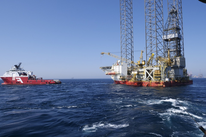 Ceny ropy w USA blisko 12-tygodnioweg maksimum - GospodarkaMorska.pl