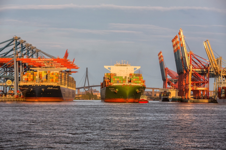 Port Hamburg - zauważalny zwrot w przeładunkach - GospodarkaMorska.pl