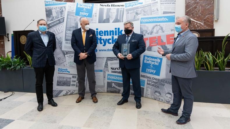 Prezes Zarządu Morskiego Portu Gdynia SA ze statuetką TOP Menedżera 2019 (foto, wideo) - GospodarkaMorska.pl