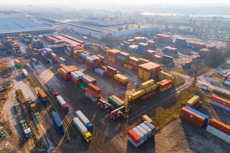 Rynek intermodalny odnotowuje wzrosty, mimo że globalne problemy wpływają negatywnie na jego rozwój  - GospodarkaMorska.pl