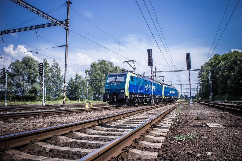 Ponad 475 mln zł unijnego dofinansowania na projekty kolejowe i drogowe - GospodarkaMorska.pl