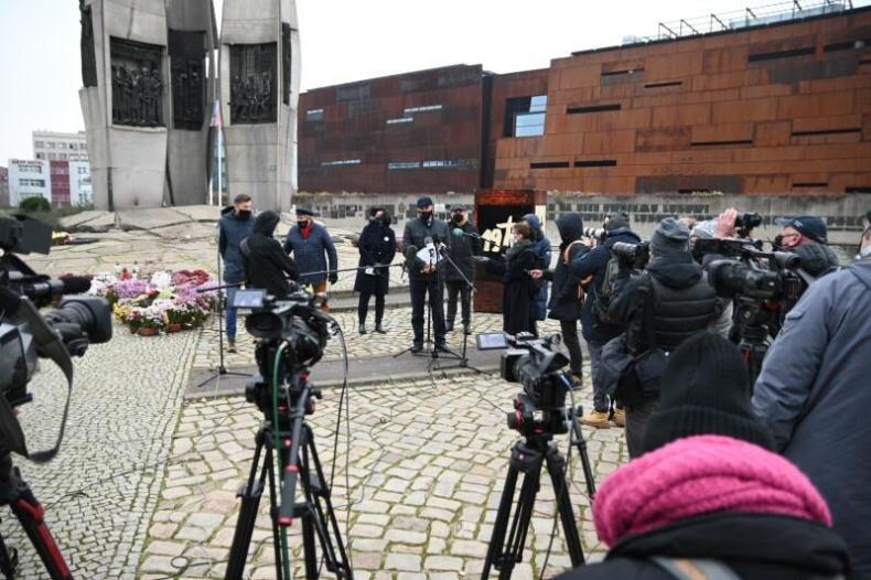 Gdańsk upamiętni 50. rocznicę wydarzeń z grudnia 1970 roku  - GospodarkaMorska.pl