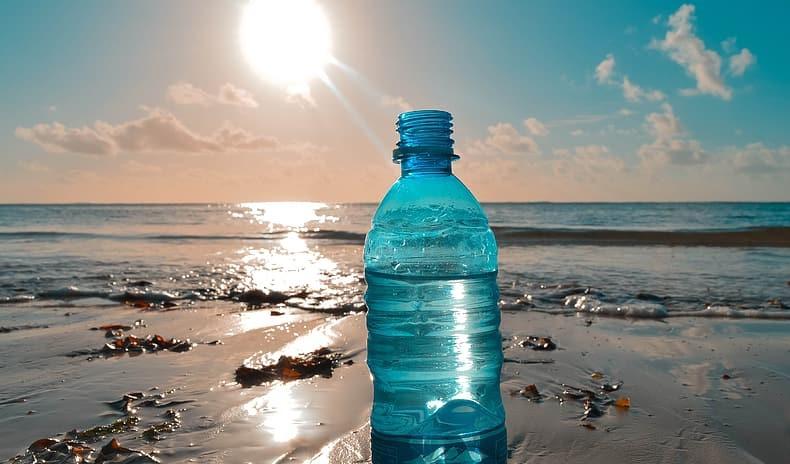Jak daleko dryfuje plastik, gdy zostanie wrzucony do oceanu? - GospodarkaMorska.pl
