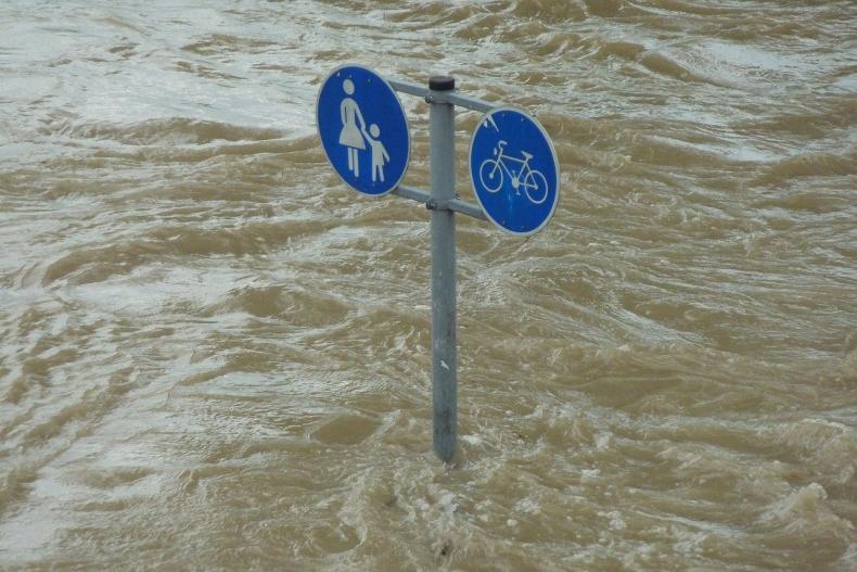 W grudniu ruszą konsultacje nowych planów zarządzania powodzią w Polsce - GospodarkaMorska.pl