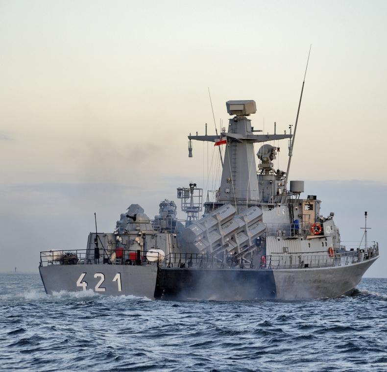 Saab podpisał umowę wsparcia radarów na okrętach Marynarki Wojennej RP - GospodarkaMorska.pl