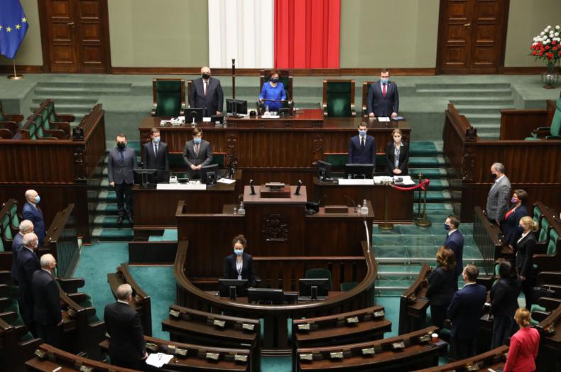 Sejm uczcił 50. rocznicę Grudnia '70  - GospodarkaMorska.pl