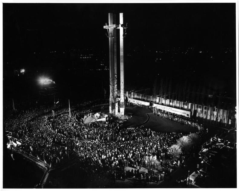 Czterdzieści lat pomnika Poległych Stoczniowców 1970. Co się działo w Gdańsku w grudniu 1980 roku - GospodarkaMorska.pl