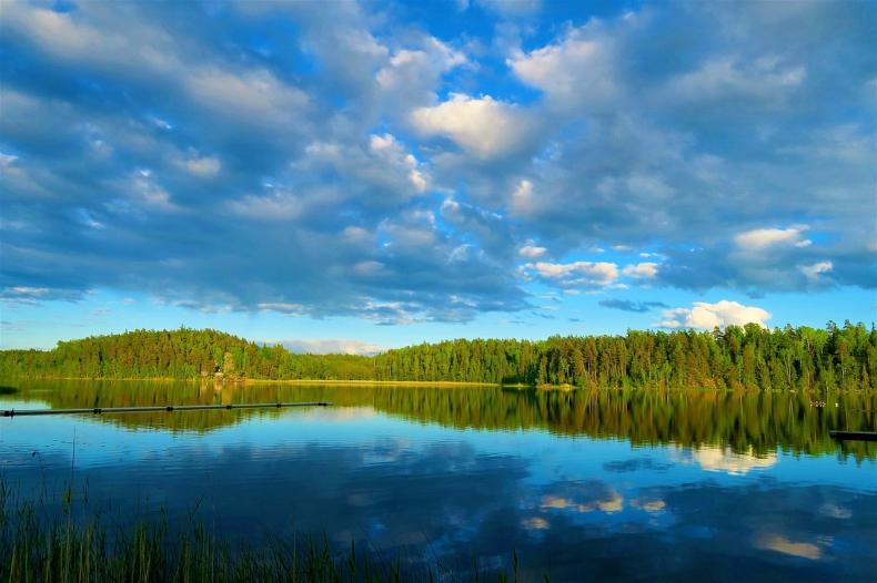 Niski poziom tlenu zbiornikach wodnych może przyspieszyć globalne ocieplenie - GospodarkaMorska.pl