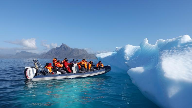 Topnienie lodu na Grenlandii może podnieść poziom mórz o 18 cm do końca wieku - GospodarkaMorska.pl