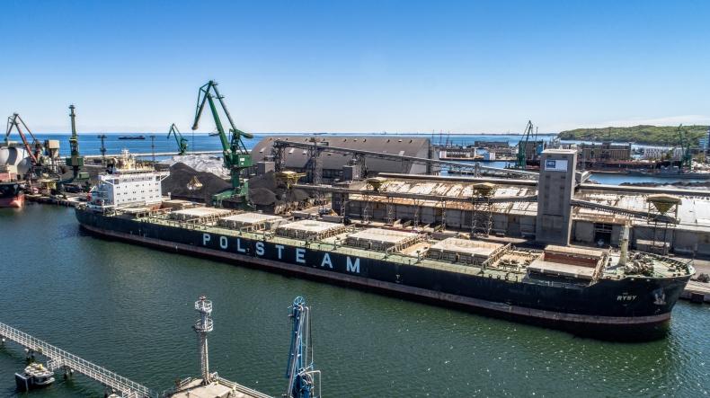Port Gdynia z rekordem przeładunków w 2020 roku - GospodarkaMorska.pl