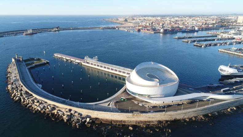 Portugalczycy pracują nad infrastrukturą zasilania portów energią z fal morskich - GospodarkaMorska.pl