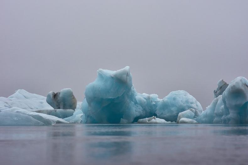 Hydrofony w służbie zmian klimatu - podwodny monitoring topnienia lodowców - GospodarkaMorska.pl