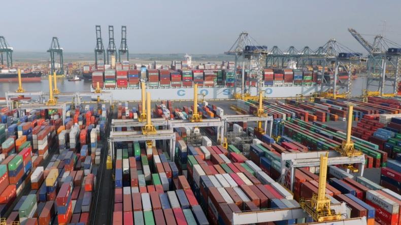 Belgijski terminal zamawia flotę zautomatyzowanych dźwigów - GospodarkaMorska.pl