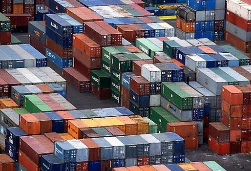 Popyt na transport kontenerowy powoli się zmniejsza - GospodarkaMorska.pl