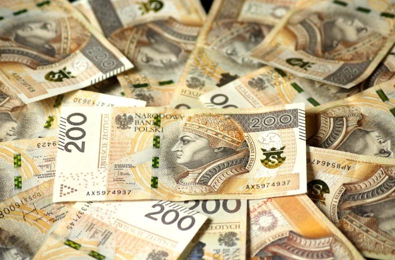 Dolar traci, złoty pozostaje stabilny - GospodarkaMorska.pl