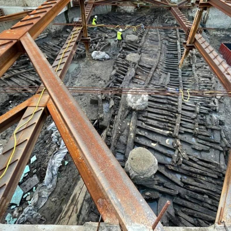 W starej części Lizbony znaleziono pod ziemią okręt z XVII w.  - GospodarkaMorska.pl