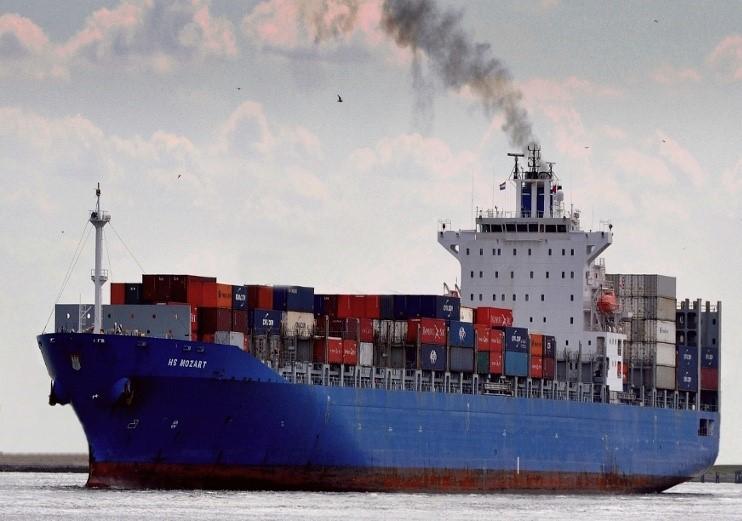 Trzech tureckich marynarzy, pozostawionych na statku przez piratów, wróciło do kraju - GospodarkaMorska.pl