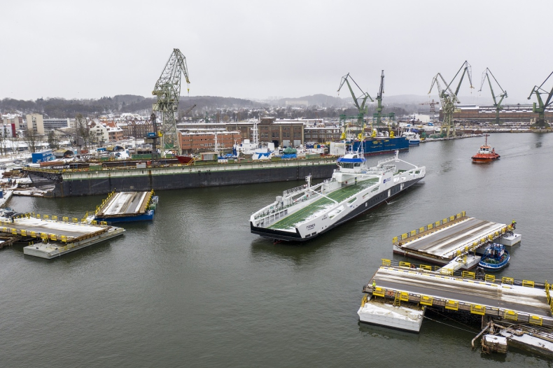 Prom Fodnes odpłynął do Norwegii ze stoczni Remontowa Shipbuilding  - GospodarkaMorska.pl