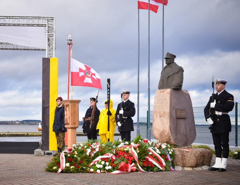 101. rocznica Zaślubin Polski z Morzem  - GospodarkaMorska.pl