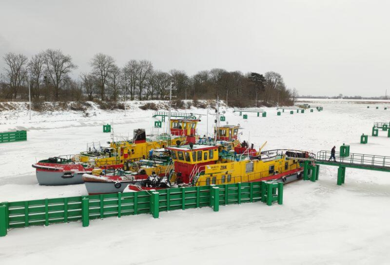 Mimo ataku zimy sytuacja hydrologiczna na Wiśle w rejonie Gdańska jest stabilna - GospodarkaMorska.pl