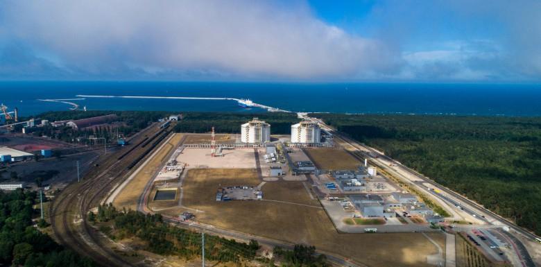 Pozwolenie na budowę trzeciego zbiornika w terminalu LNG w Świnoujściu  - GospodarkaMorska.pl