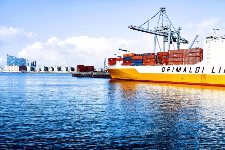 Brak oddechu w kontenerach i przetasowania na szlakach promowych Raport z rynku żeglugowego (tydzień 4-7/2021) - GospodarkaMorska.pl