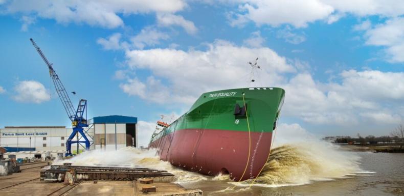 Holenderska stocznia zwodowała napędzany LNG chemikaliowiec dla szwedzkiego armatora - GospodarkaMorska.pl