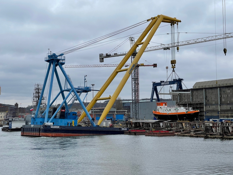 """W stoczni Remontowa Shipbulding zwodowano lodołamacz """"Ocelot"""" dla RZGW w Szczecinie - GospodarkaMorska.pl"""