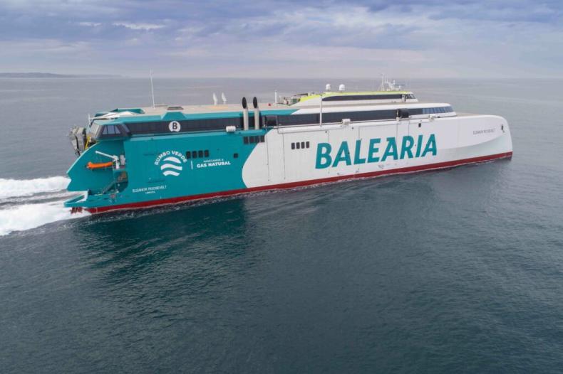 Napędzany LNG prom Balearii rozpoczął próby morskie - GospodarkaMorska.pl