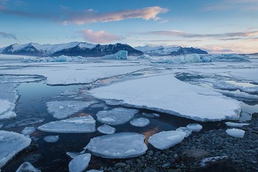 Rosja: Nornikiel zapłacił 2 mld USD kary za wyciek paliwa w Arktyce - GospodarkaMorska.pl