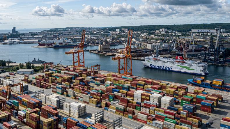 W styczniu i lutym Port w Gdyni odnotował prawie 10-cio % wzrost przeładunków kontenerów - GospodarkaMorska.pl