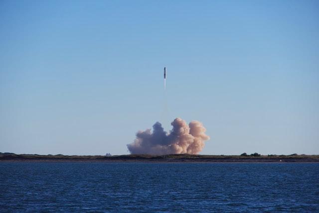 Japonia: Straż przybrzeżna: z terytorium KRLD wystrzelono rakietę - GospodarkaMorska.pl
