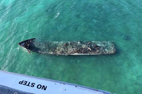 Trwa sprzątanie wycieku oleju po pożarze jachtu La Dolce Vita na Florydzie - GospodarkaMorska.pl