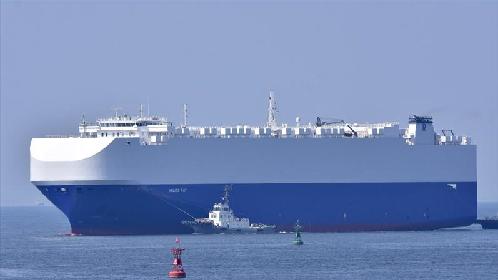 Izraelski statek towarowy trafiony pociskiem na Morzu Arabskim - GospodarkaMorska.pl
