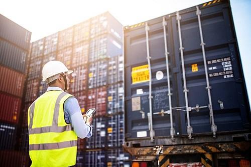 Trwają przygodowania do rozładunku kontenerowca Ever Given blokującego Kanał Sueski  - GospodarkaMorska.pl
