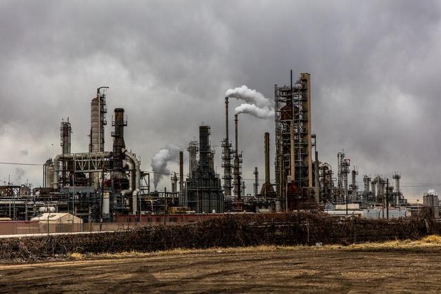 W USA ceny ropy ruszyły mocno w dół, bo Ever Given ściągnięty z mielizny - GospodarkaMorska.pl
