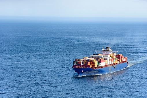 Rozładowanie zatoru w Kanale Sueskim zajmie do czterech dni - GospodarkaMorska.pl